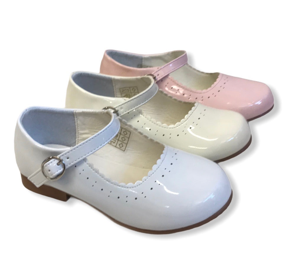 NEW STYLE Junior Mary Jane Shoes in White - Roo's Online Shop - children's clothes - Mary Jane shoes -