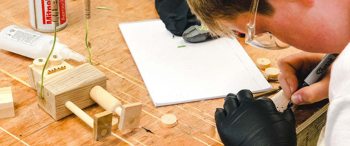 Woodwork and craft workshops for all levels of Guide and Scout groups