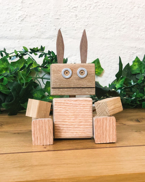 Our woodworking class for kids lets them use their imagination in a unique fun craft workshop