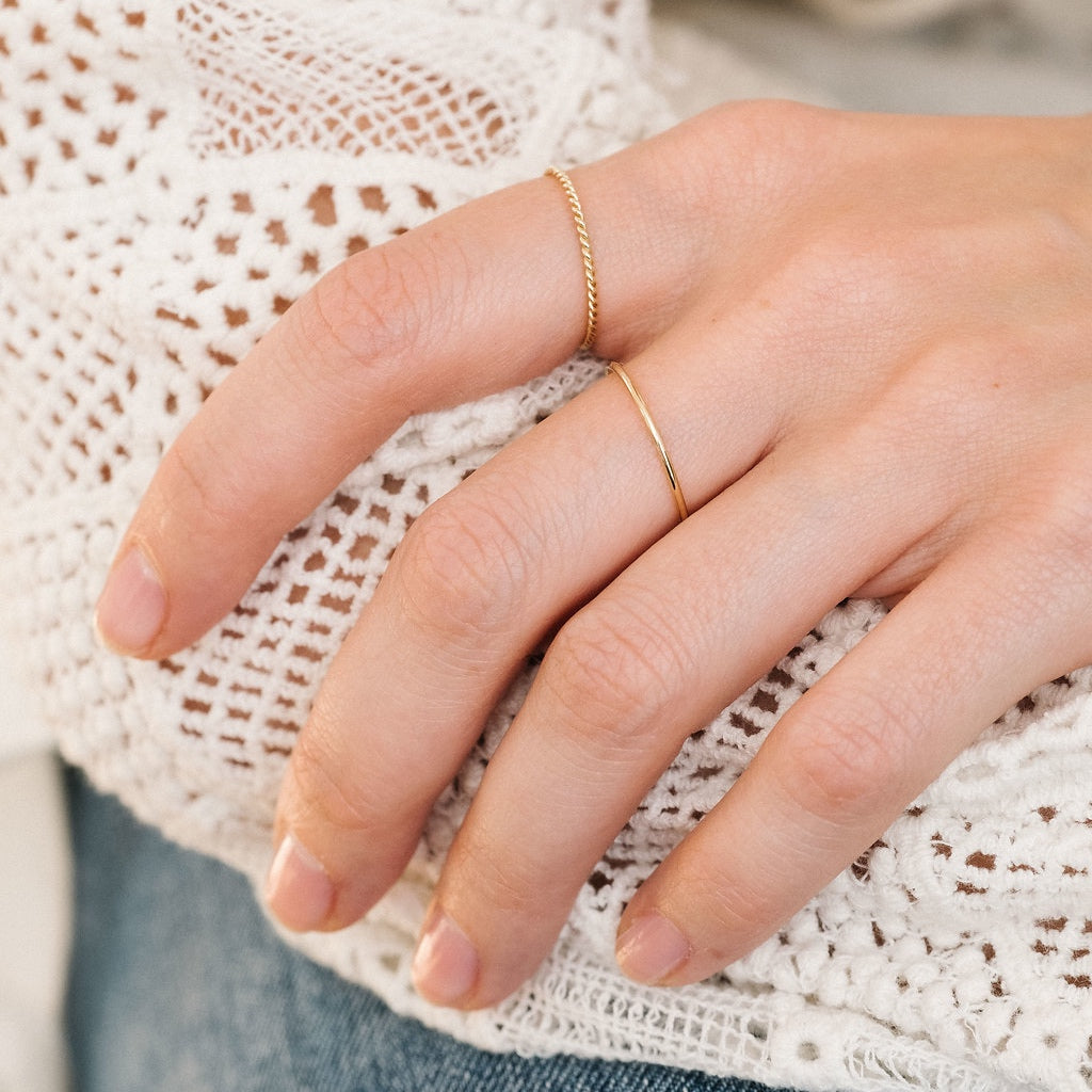 Yellow Gold La Skinny ring