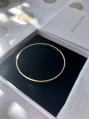 18ct Yellow Gold Engraved Bangle
