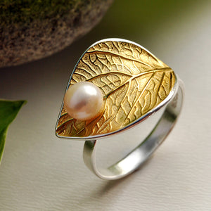 Pearly Leaf - Adjustable Ring - MetalVoque