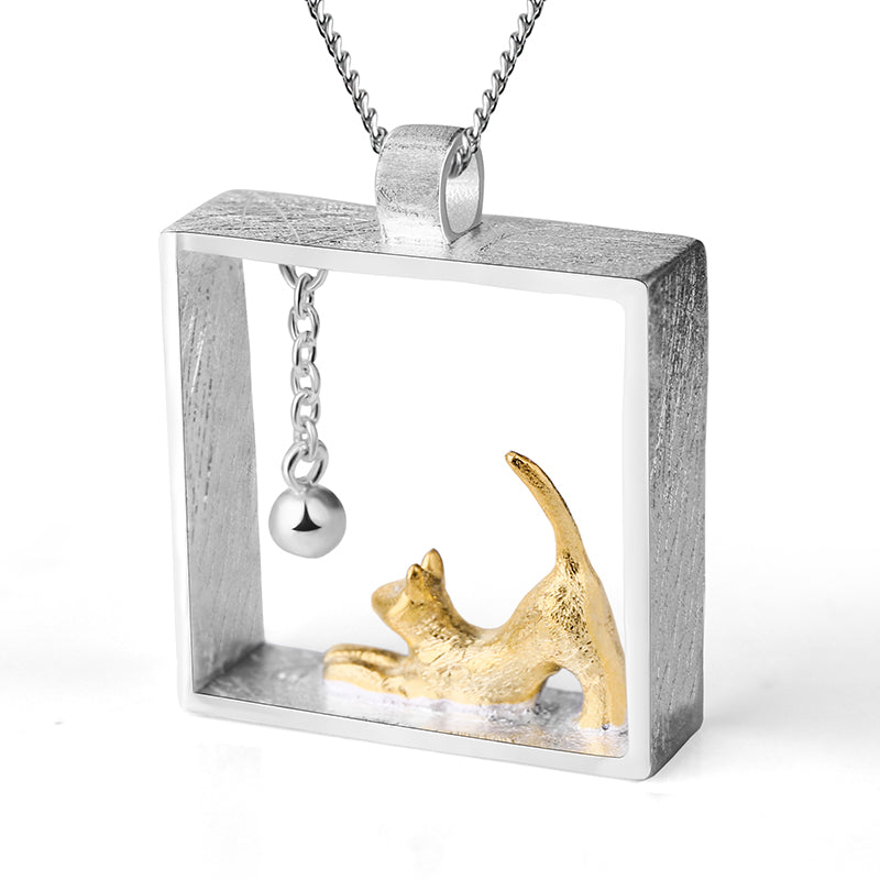 Playing Cat - Handmade Pendant | NEW - MetalVoque