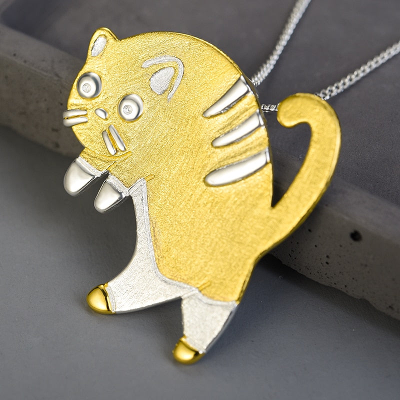 Startled Cat - Handmade Pendant | NEW - MetalVoque