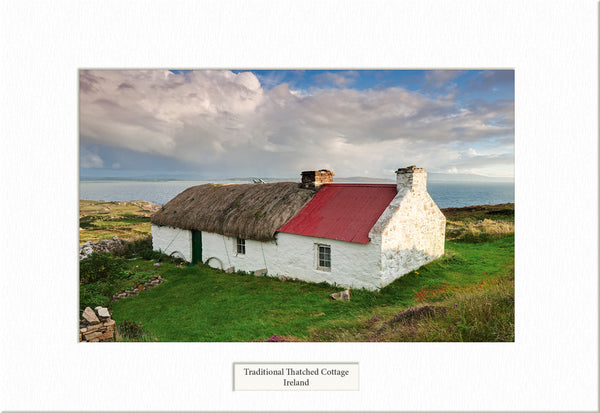 Traditional Thatched   - Visions of Ireland
