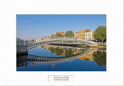 Ha'penny Bridge - Visions of Ireland