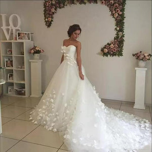White Strapless Sweetheart Sleeveless Long Wedding Dresses With Flowers,AP532