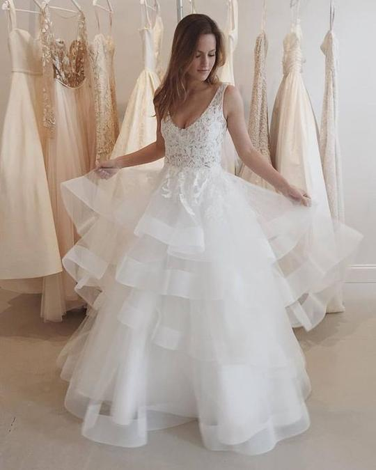 Sleeveless Lace Appliques Wedding Dresses Backless Tiered Tulle Bridal Gown,AP543