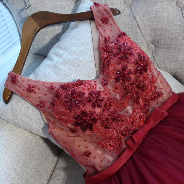 V Neck Burgundy Lace Cheap Short Homecoming Dresses Online,B0481