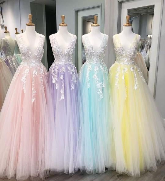 F0187 Floor Length Tulle V Neck Prom Dresses with Appliques