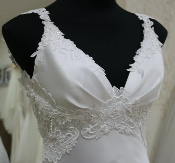 V Neck Sleeveless Mermaid Wedding Dresses Lace Appliques Bridal Gown,AP564