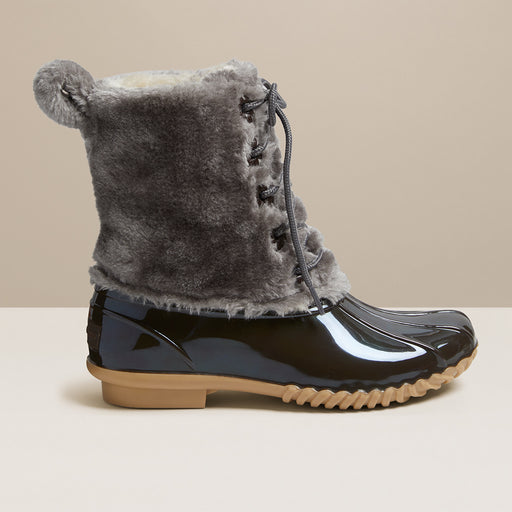 Scalloped Cozy Chloe Boot