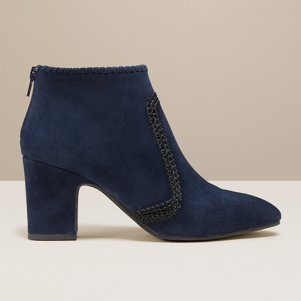 products/JR_GemmaSuedeHeeledBootie_Midnight_Black_B.jpg
