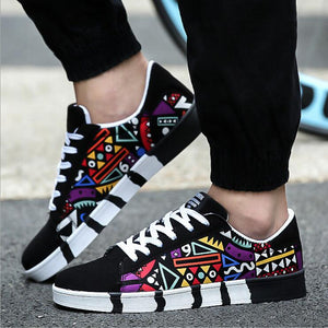 2018 New Brand Men Casual Shoes Fashion good quality Graffiti Shoes Man Flats Shoes Fashion Suede Lace-Up Shoes