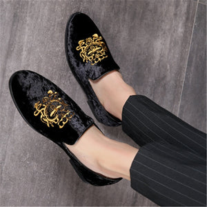 2019 New Large Size 48 Luxury Men Loafers Shoes Slip On Moccasins Handmade Flock Flats Shoes Man Embroidery Fashion Party Shoes