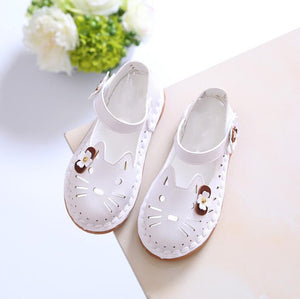Kids Fashion Beach Sandals Fashion 2018 Children Hollow out Breathable Cartoon Shoes for Girls Antislip Cute Shoes
