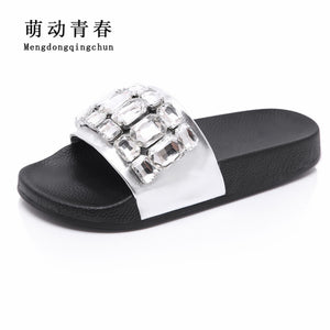 Women Slipper Fashion Women Luxury Brand Big Crystal Rhinestone Slides Summer Beach Slipper Sandals Womens Flats Zapatos Mujer