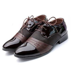 Men Shoes Oxford Lace-up Flats 2019 New Fashion PU Leather Zapatos Hombre Man Casual Shoes Flats Black Pointed Shoes Size 39-46