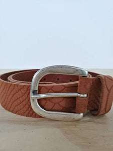 Elvy Scale Nubuck Belt