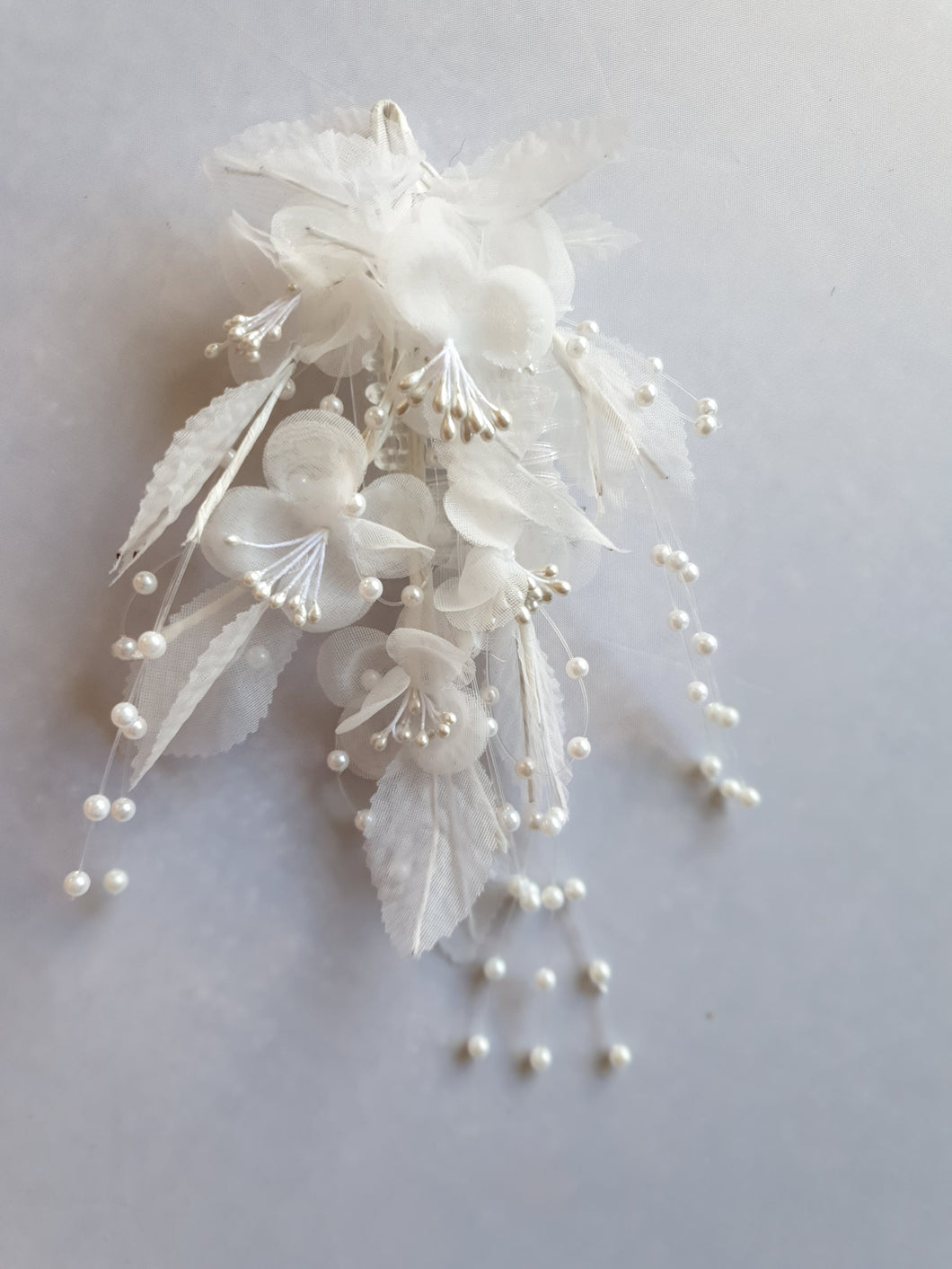 Pearl flower hair clip - In Stock