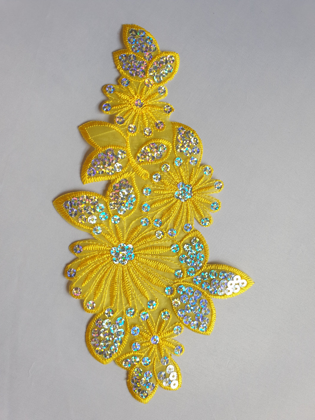 Yellow sequin flower motif - In Stock