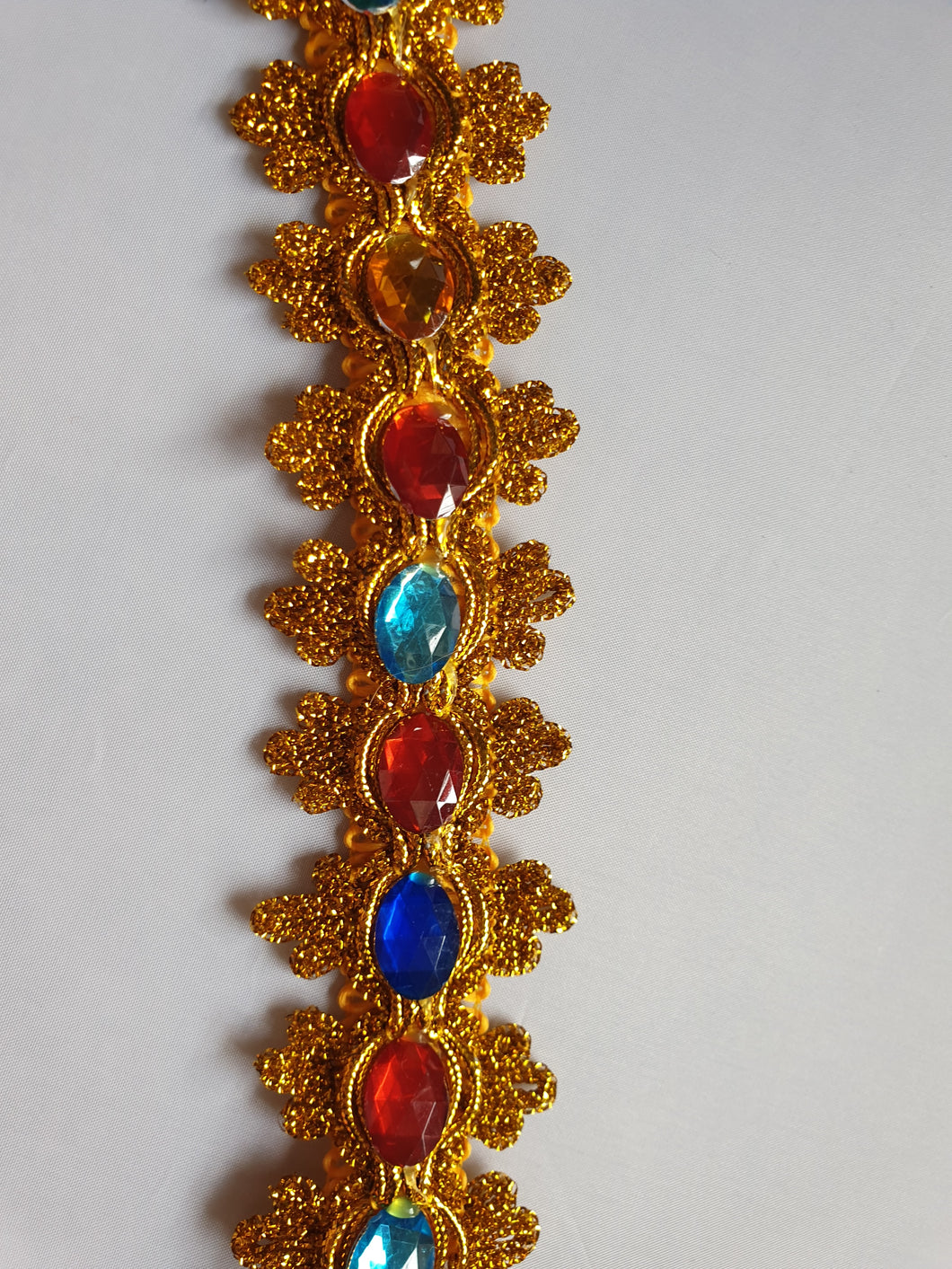 Gold jewel trim - In Stock