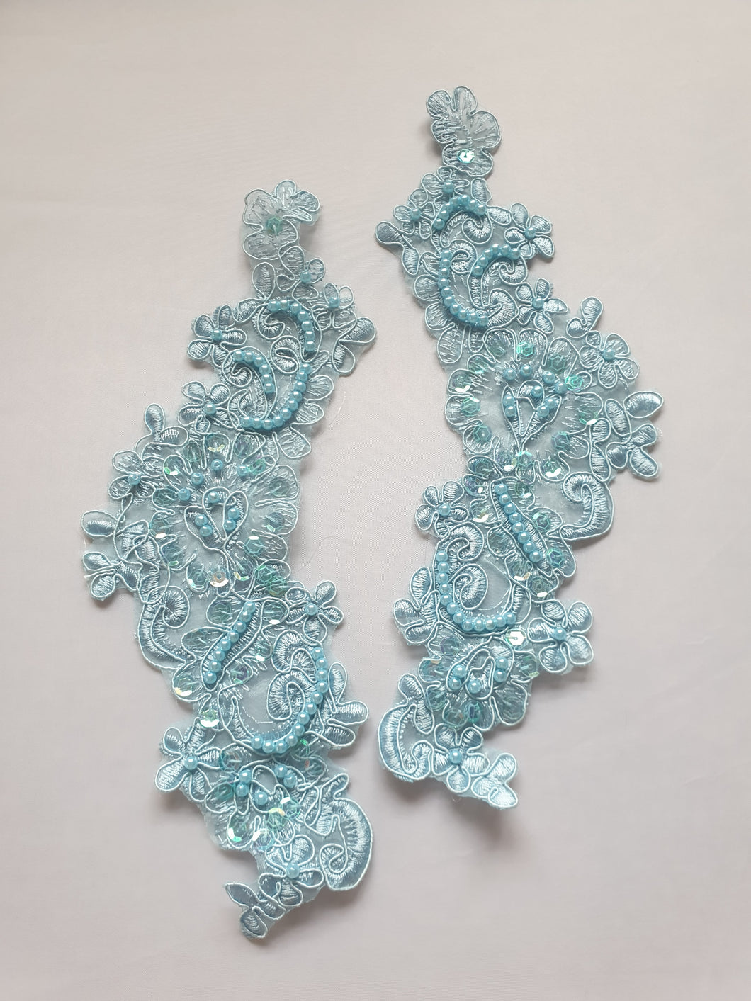 Blue pearl lace flower motif - In Stock
