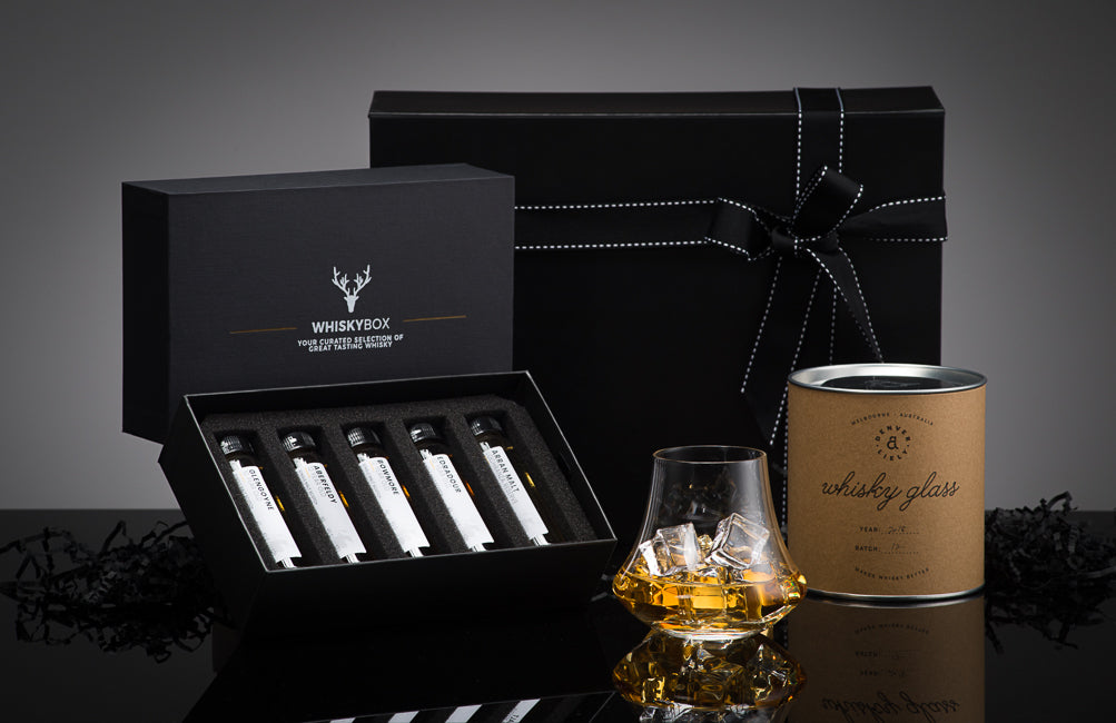 THE SIGNATURE WHISKY BOX SET