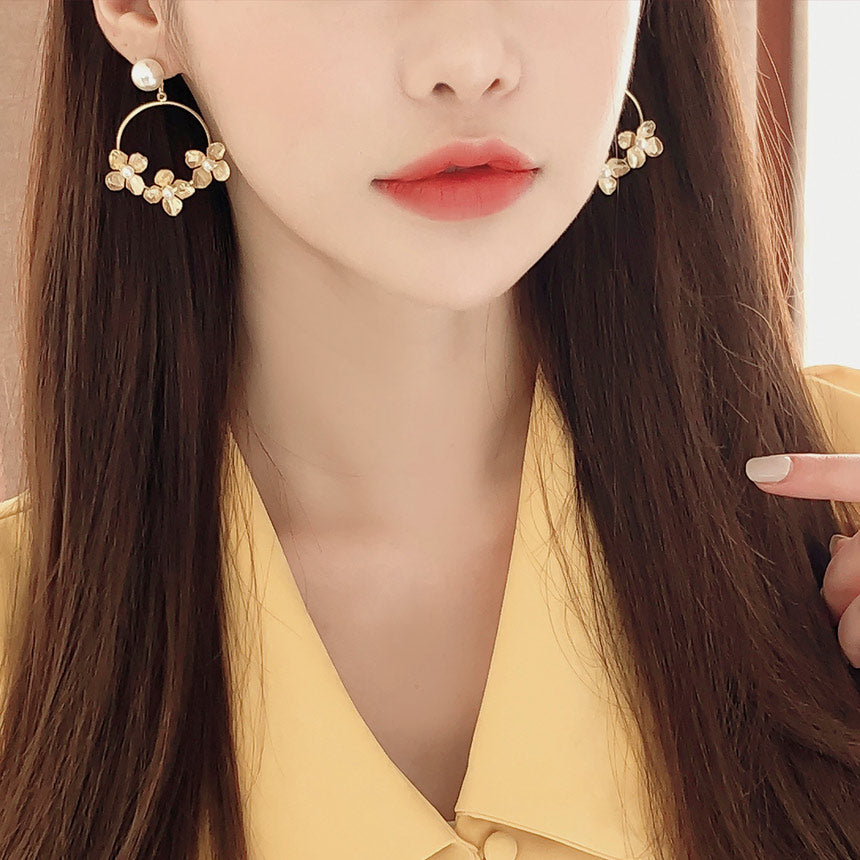 Soo & Soo Flower Cluster Earrings