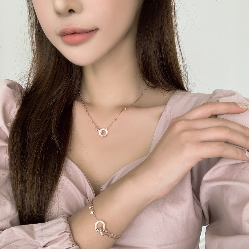 Soo & Soo Circle Ring Unity Pendant Chain Necklace
