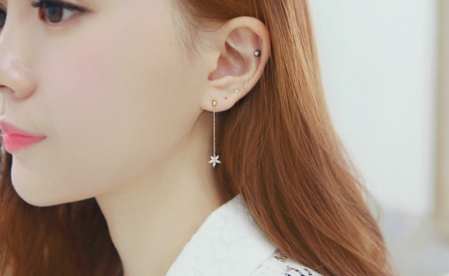 SOO & SOO Single Flower Drop Earrings
