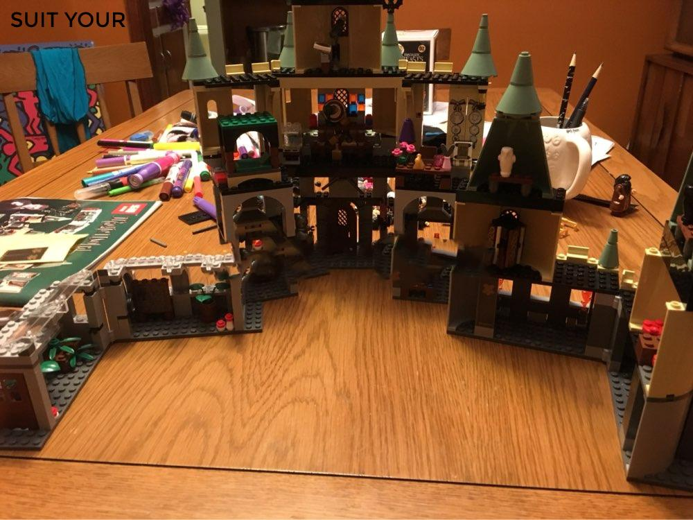 2017 New Arrival Harry Potter Hogwart castle  with 1033 Pcs