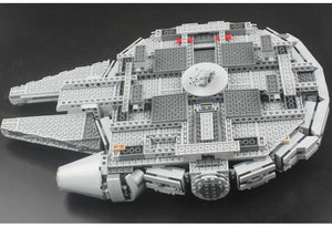 Hot Christmas Star War UCS Force Awakens Millennium Falcon with 1053pcs