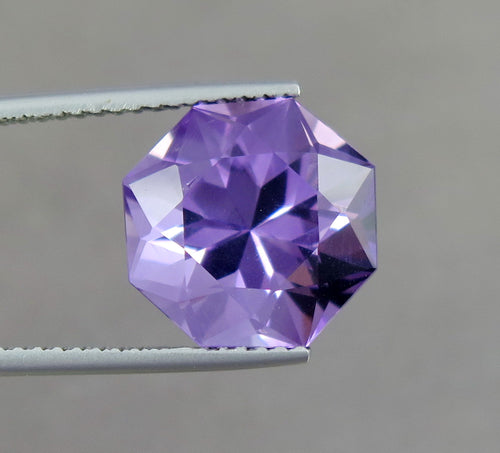 FL 6.90 Carats Excellent Cut Natural Purple Amethyst Gemstone.