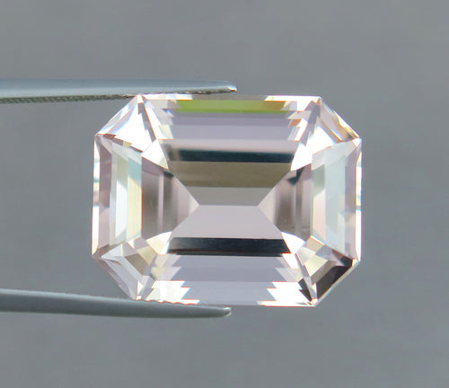 Flawless 20.80 CT Excellent Emerald Cut Natural Peach Pink Morganite.