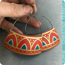 Load image into Gallery viewer, Scarlet Pointed Arches Zero-Waste Tin Earrings