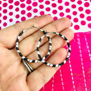 Spiraled Black & White Small Tin Hoop Earrings