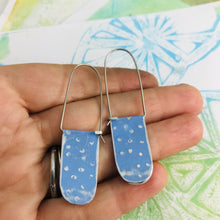 Load image into Gallery viewer, Dotty Flax Flower Blue Arch Dangle Tin Earrings