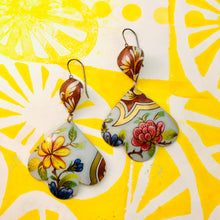 Load image into Gallery viewer, Big Flowers & Bark Trefoil Upcyled Tin Earrings