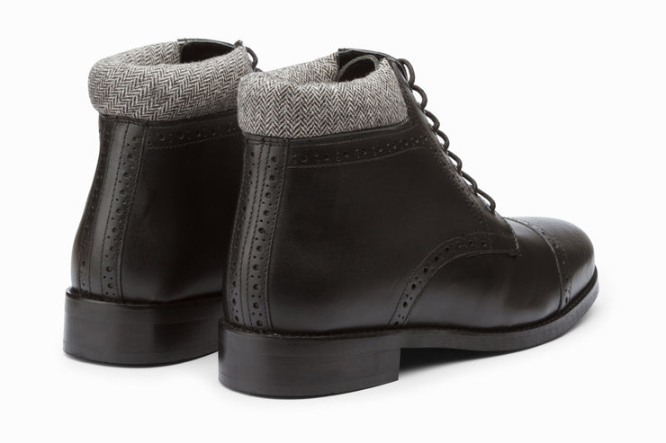 Toecap Derby Brogue Boot - Black