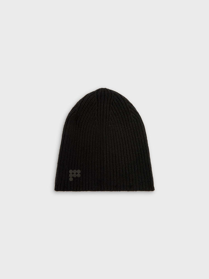 Recycled cashmere beanie—black