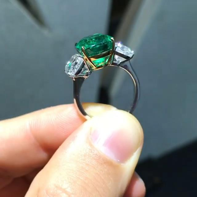 Cnvpk 3.6Ct Cushion Cut 925 Silver Emerald Color Engagement Ring