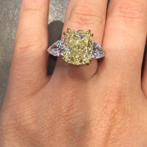 Cnvpk 4.70 Ct Fancy Light Yellow Round Cut 925 Silver Engagement Ring