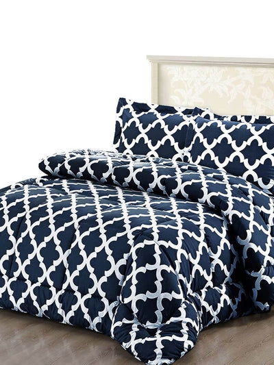 duvet and bed covers in blue and white