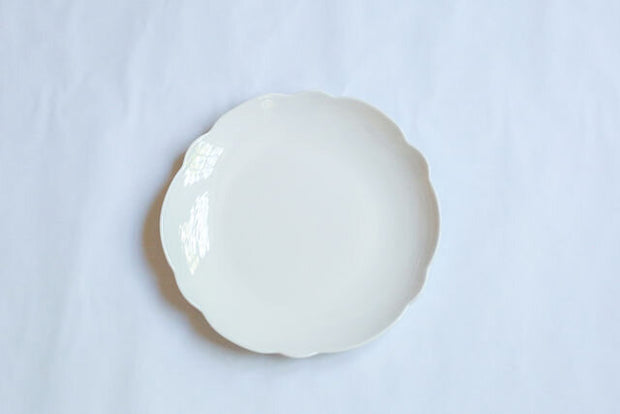 Melamine Cream Scallop Edge Dinner Plate