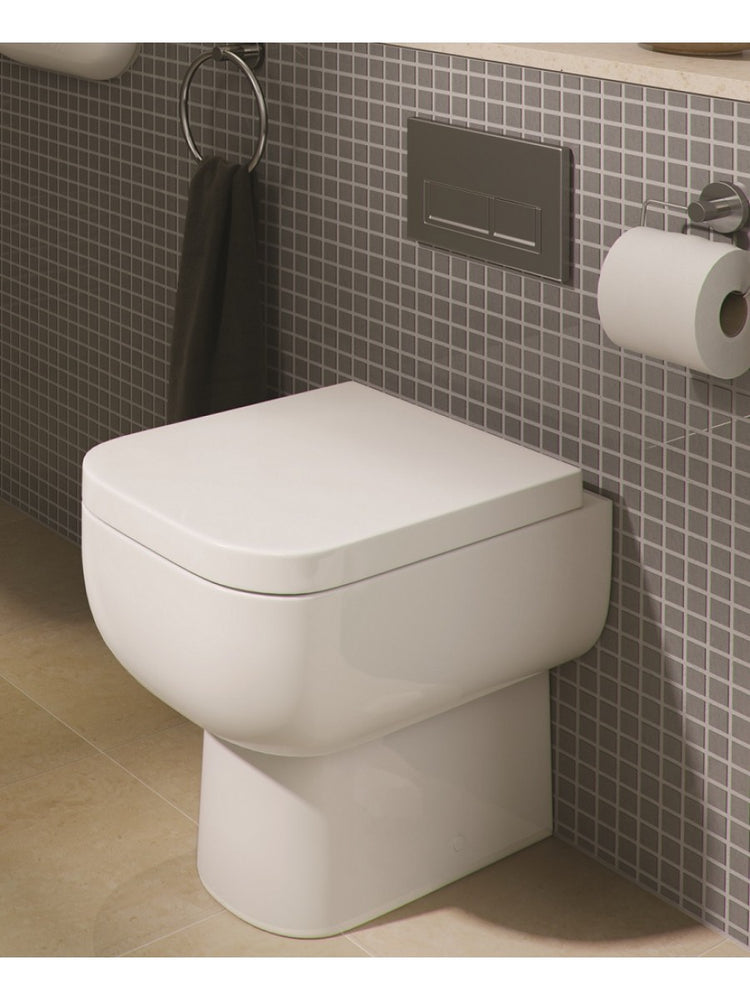 Lifestyle Back to Wall WC Pan & Soft Close Seat