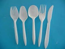 Load image into Gallery viewer, Plastic Cutlery - Box of 1000 Knives (was £9.90) to buy from Cleaning Supplies 2U