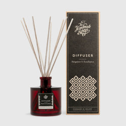 Handmade, Natural, Vegan and Cruelty Free Essential Oil Reed Diffuser. Scented with extracts of Bergamot and Eucalyptus. Presented in a glass bottle and Gift Box.
