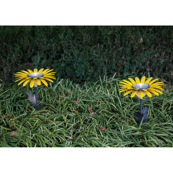 Butter Yellow Daisy Solar Light