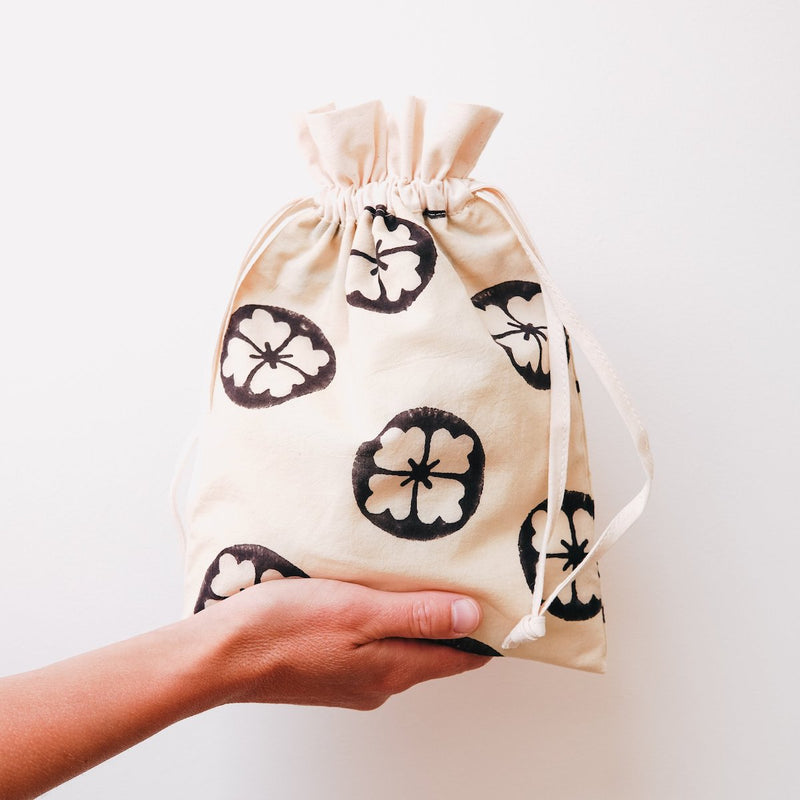 DELICATES-DRAWSTRING-BAG-CABINET-JEWELLERY
